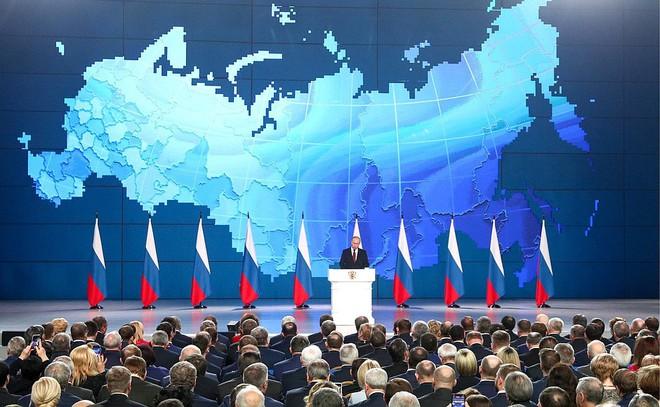 Thông điệp liên bang 2019: Khoe hàng loạt siêu vũ khí, TT Putin cảnh báo không kẻ nào có thể gây sức ép với nước Nga - Ảnh 7.