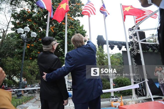 Kim - Trump giả và dàn vệ sĩ áo đen bị tống tiễn ra khỏi khách sạn vì không đặt phòng - Ảnh 33.