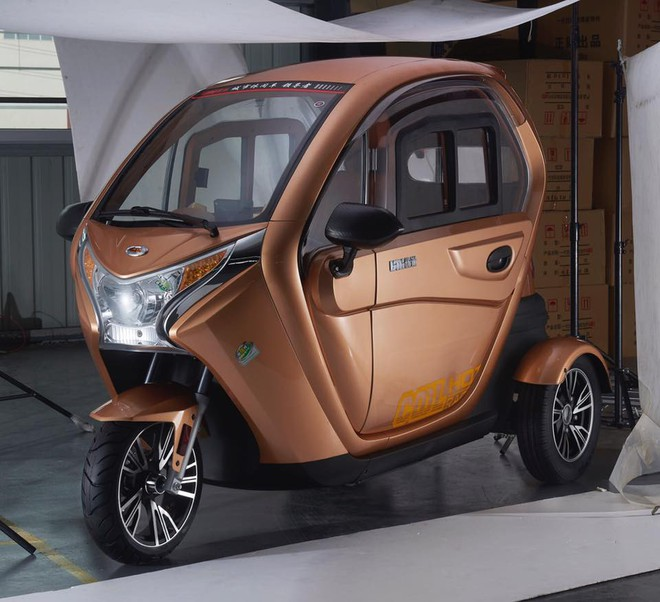 Có gì trong chiếc ô tô điện đang được chào bán tại Việt Nam với giá 40 triệu đồng? - Ảnh 3.