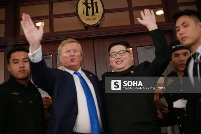 Kim - Trump giả và dàn vệ sĩ áo đen bị tống tiễn ra khỏi khách sạn vì không đặt phòng - Ảnh 11.