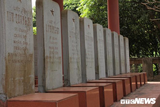 Ảnh: Người thương binh hơn 20 năm cặm cụi chăm sóc khu tưởng niệm liệt sĩ Triều Tiên ở Bắc Giang - Ảnh 10.