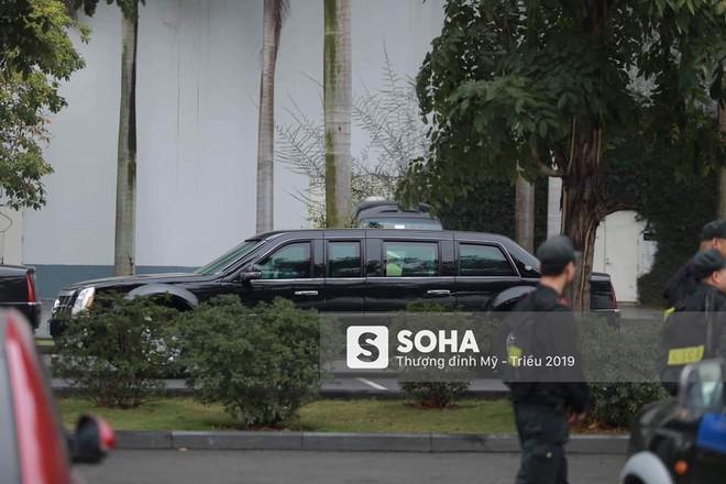 [NÓNG] Dàn siêu xe hộ tống của Tổng thống Trump đổ bộ một cây xăng dân sự ở Hà Nội - Ảnh 3.