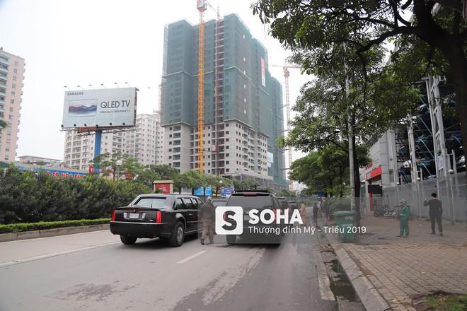 [NÓNG] Siêu xe Quái thú của TT Trump về đến khách sạn sau khi dừng đổ xăng trên phố Hà Nội - Ảnh 4.