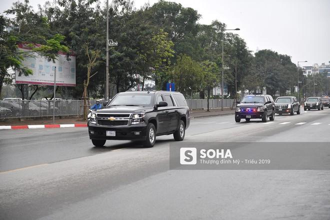 [ẢNH] Siêu xe The Beast của TT Trump cùng dàn xe đặc chủng hầm hố trên đường phố Hà Nội - Ảnh 10.