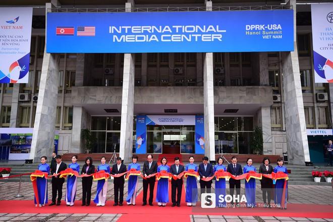 [ẢNH] Khai trương trung tâm báo chí quốc tế phục vụ thượng đỉnh Mỹ-Triều lần 2 tại Hà Nội - Ảnh 1.