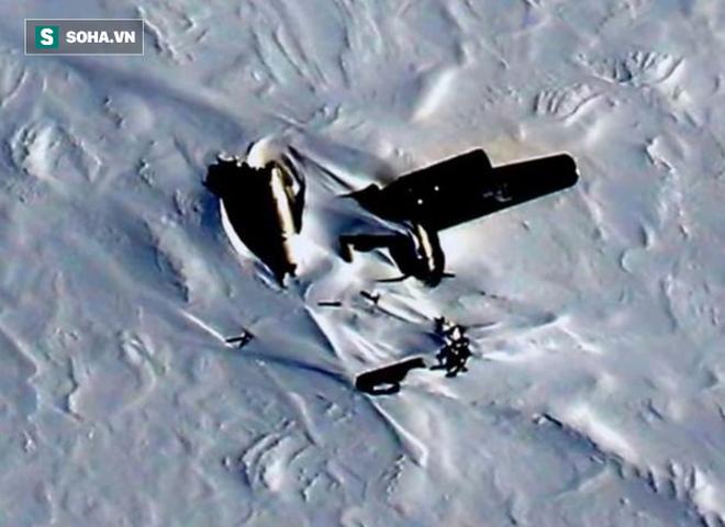 """NASA: Máy bay bí ẩn rơi ở Bắc Cực, nhưng """"số phận"""" của người sống sót còn đáng sợ hơn - Ảnh 1."""