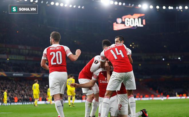 """Hạ gục đối thủ đầy chớp nhoáng, Arsenal gián tiếp """"gieo sầu"""" cho Man United"""