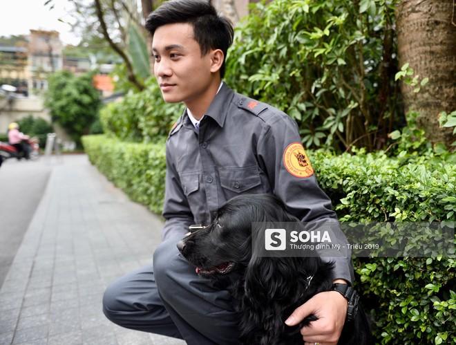[Ảnh] 3 chú khuyển đặc biệt kiểm tra khách sạn Melia trước ngày Chủ tịch Kim Jong-Un đến Việt Nam - Ảnh 8.
