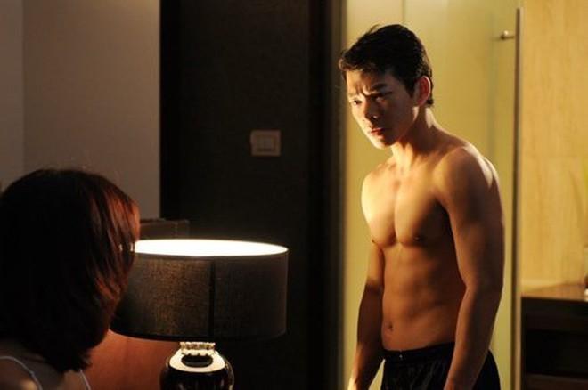 Showbiz Việt: Ngỡ ngàng với body của loạt sao nam U50 - ảnh 13