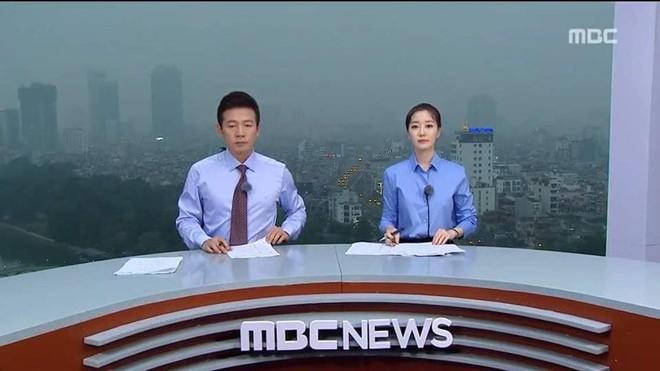 """Dân mạng """"chộp"""" được cảnh tạm bợ của đài truyền hình Hàn Quốc trên nóc nhà cao tầng ở Hà Nội  - Ảnh 2."""