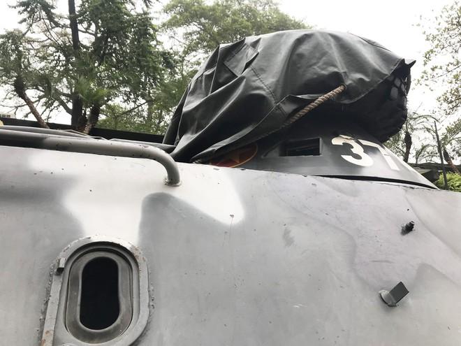 Cận cảnh dàn xe thiết giáp bảo vệ Chủ tịch Kim Jong Un khi tới Hà Nội - Ảnh 6.