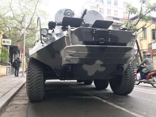 Cận cảnh dàn xe thiết giáp bảo vệ Chủ tịch Kim Jong Un khi tới Hà Nội - Ảnh 5.