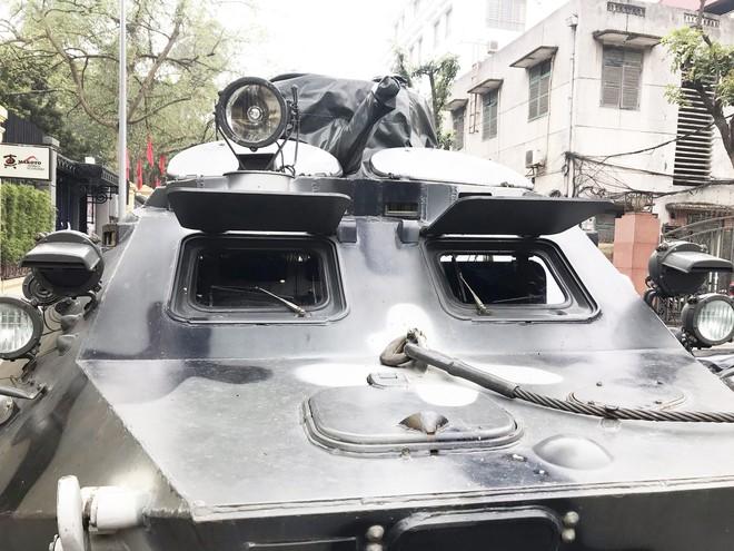 Cận cảnh dàn xe thiết giáp bảo vệ Chủ tịch Kim Jong Un khi tới Hà Nội - Ảnh 9.