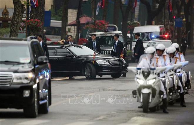 Chủ tịch Triều Tiên Kim Jong-un luôn được bảo vệ nghiêm ngặt ở cấp độ cao nhất - Ảnh 2.