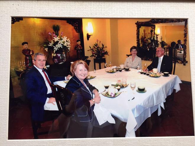 Những món ăn và đồ uống từng được các nguyên thủ nước ngoài lựa chọn khi tới Việt Nam - Ảnh 7.