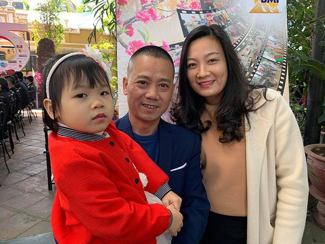 Vóc dáng nhỏ bé, toàn diễn vai phụ nhưng con trai NSND Trần Nhượng cưới vợ xinh đẹp, thi hoa hậu  - Ảnh 3.