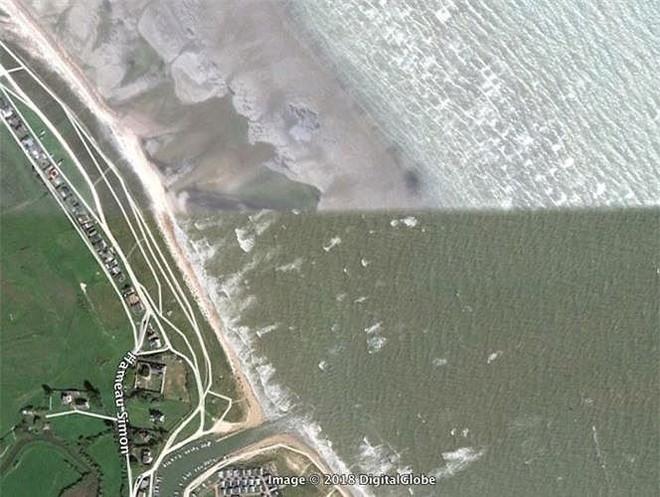 Bất ngờ với những bức ảnh thú vị tìm được trên Google Earth - Ảnh 10.
