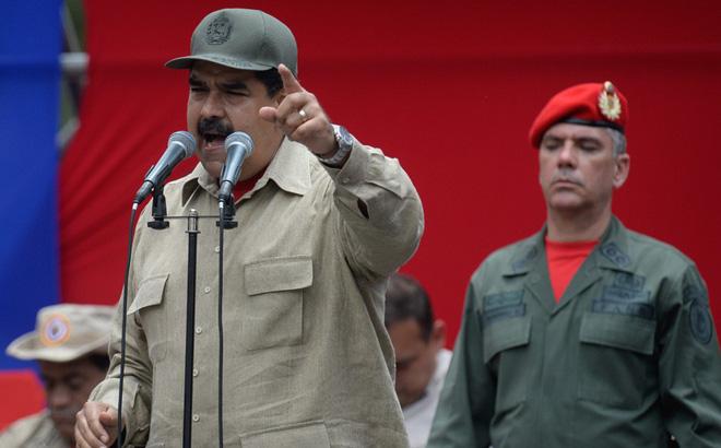 """Dè chừng """"kịch bản nhuốm máu"""" của Mỹ, ông Maduro đặt câu hỏi khó cho quân đội Venezuela"""