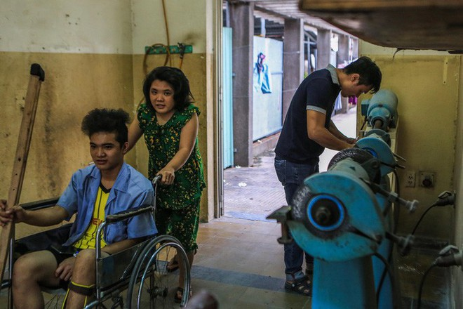 Căn phòng kỳ diệu, nơi người khuyết tật đứng lên lần nữa - Ảnh 6.