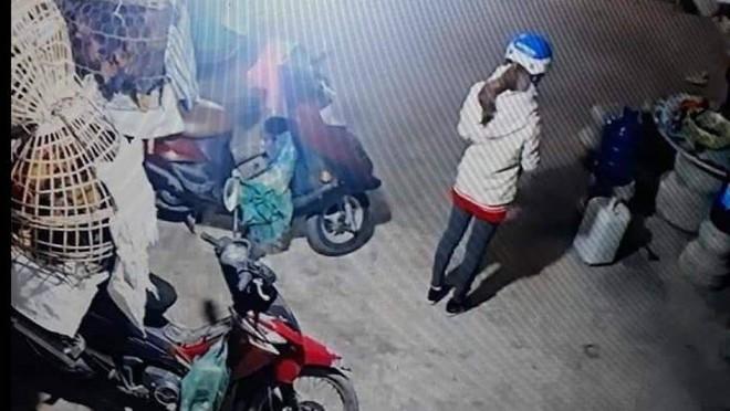 Vụ cô gái bị sát hại khi đi giao gà chiều 30 Tết: Truy tìm người đàn ông lạ mặt mua gà - Ảnh 1.