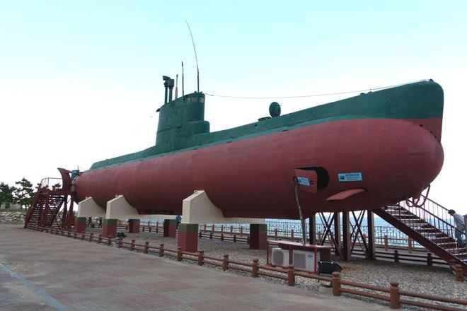 Giải mã chiếc tàu ngầm màu vàng bí ẩn của Hải quân Mỹ - Ảnh 2.