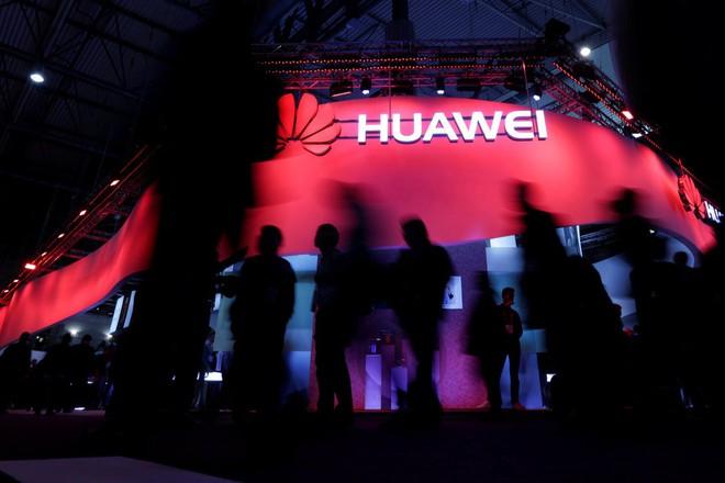 Bất chấp CFO bị bắt, Mỹ canh chừng, Huawei vẫn khéo luồn lách, hái quả ngọt ở châu Âu  - Ảnh 1.