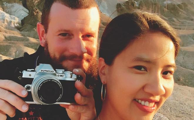 """Nữ nhà văn Việt và chuyến du hành gây """"sốt"""" mạng xã hội đầu năm"""