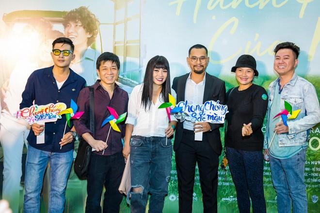 Ngôi sao Thái thu hút sự chú ý khi xuất hiện tại buổi ra mắt phim Hạnh phúc của mẹ - ảnh 8