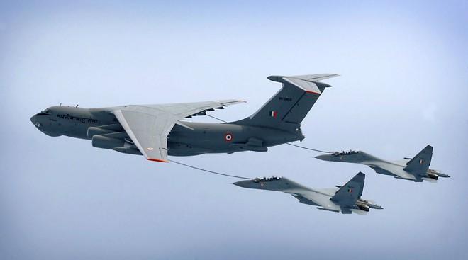 Tiêm kích Su-30MKI Ấn Độ xuất chiêu đặc biệt khiến F-16 Pakistan đo ván: Xứng tầm anh tài - ảnh 3
