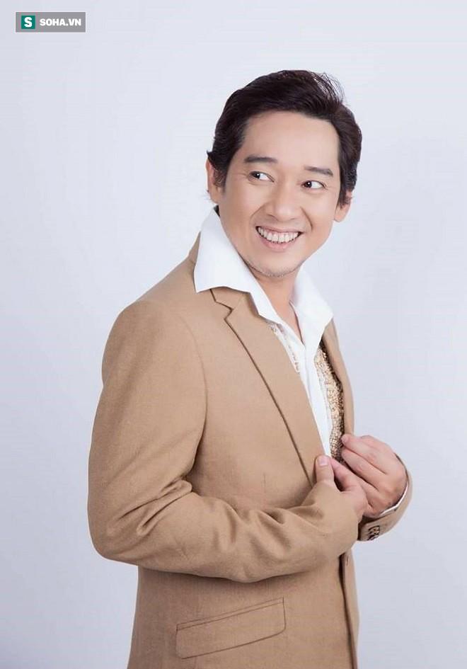 Nghệ sĩ Thái Quốc: Từ bỏ sự nghiệp đang lên, 10 năm chăm sóc cha ung thư, mẹ mất trí nhớ - Ảnh 7.
