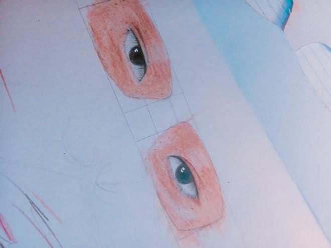 Nam sinh chăm chú nhìn lên bảng và đôi mắt kính che giấu toàn bộ sự thật - ảnh 3