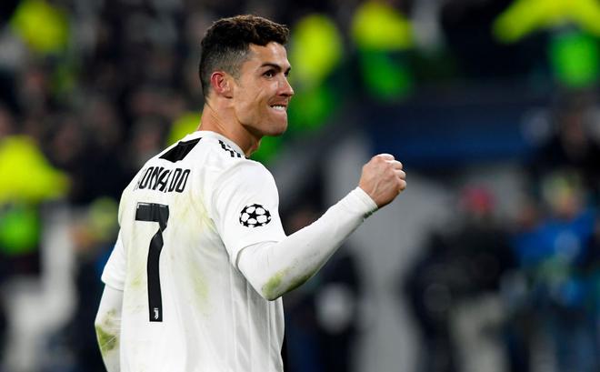 Giữa vô vàn áp lực, Ronaldo vẫn khiến châu Âu phải phủ phục dưới chân mình