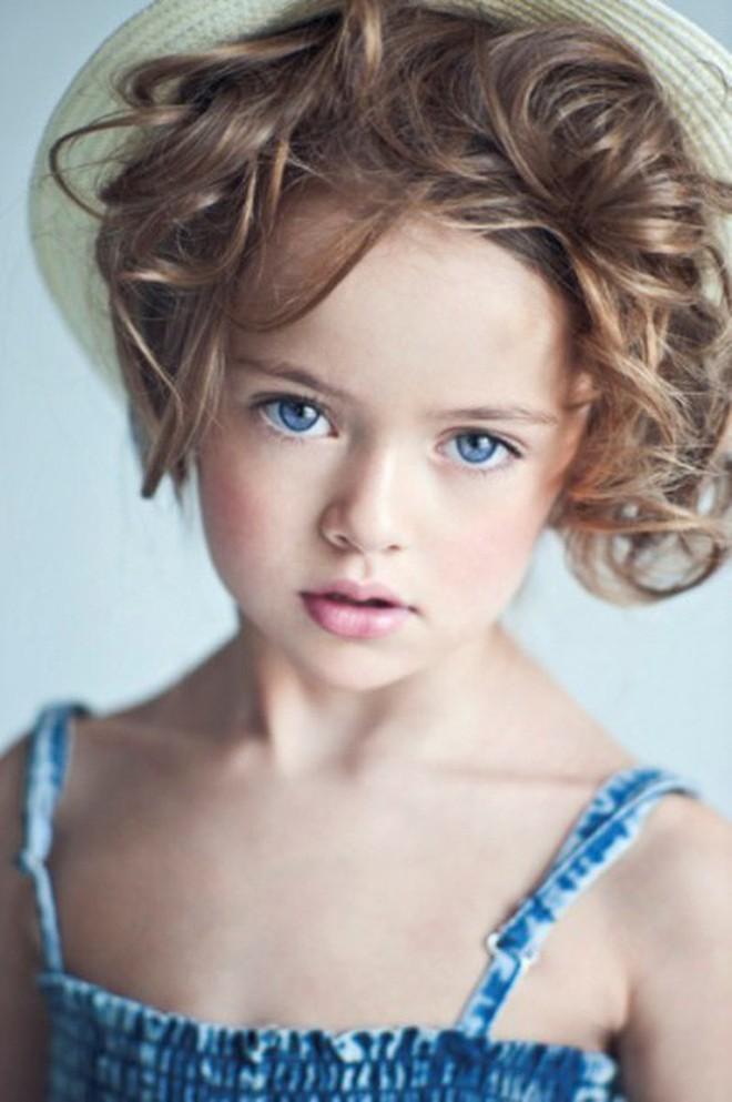 Ngỡ ngàng trước nhan sắc hiện tại của bé gái đẹp nhất thế giới - Ảnh 2.