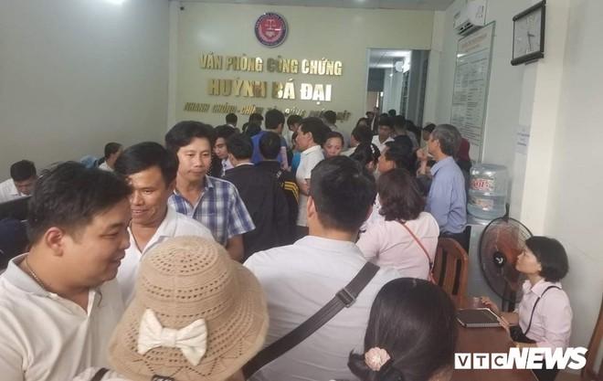 Giá đất 'sốt' hầm hập, người Đà Nẵng vác từng bao tiền đi mua đất - Ảnh 4.