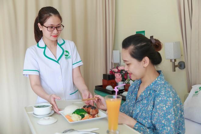Sau khi đẻ mổ để vết thương mau lành các mẹ cần phải ăn uống hợp lý.