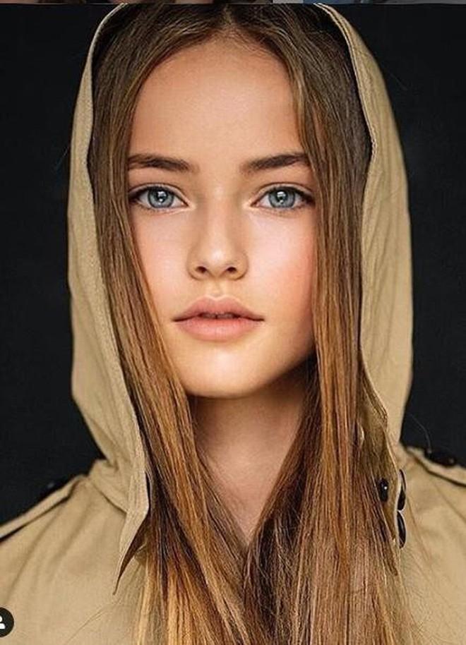 Ngỡ ngàng trước nhan sắc hiện tại của bé gái đẹp nhất thế giới - Ảnh 7.