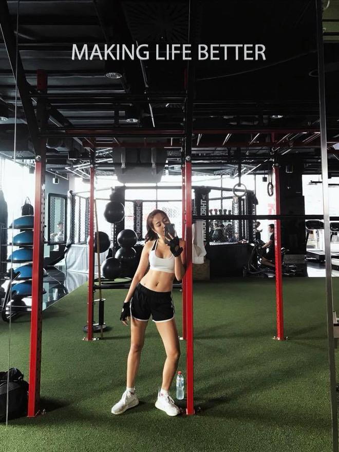 Ngoại hình nóng bỏng của cô gái giật bồ Hương Giang trong MV mới - Ảnh 11.