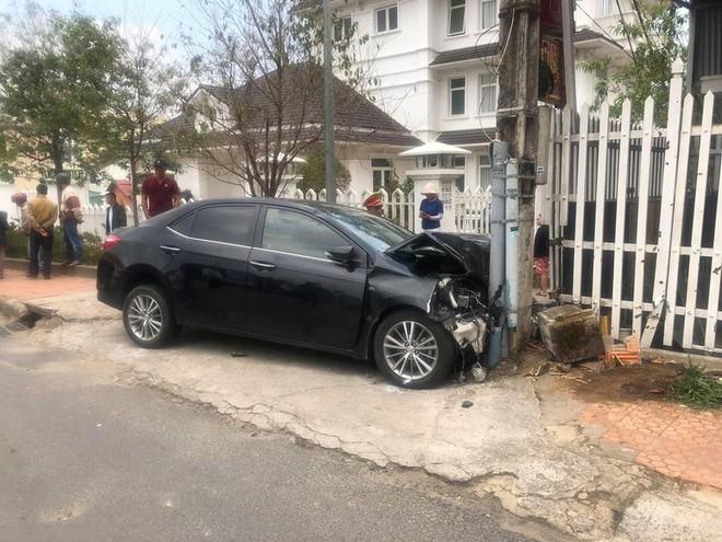 Gây tai nạn liên hoàn, thanh niên ngồi trong ô tô thản nhiên quẩy theo tiếng nhạc - ảnh 1