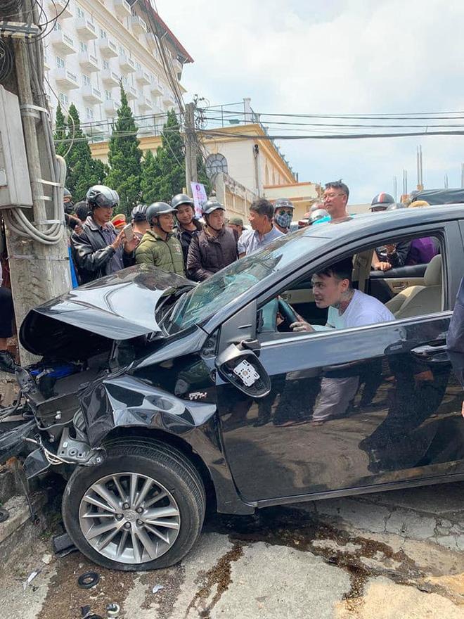Gây tai nạn liên hoàn, thanh niên ngồi trong ô tô thản nhiên quẩy theo tiếng nhạc - ảnh 4