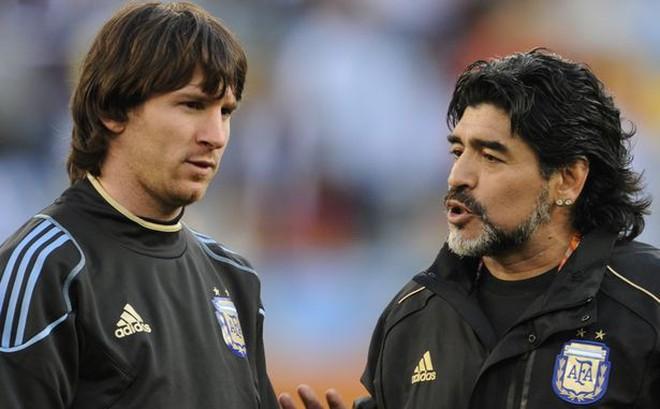 """""""Đất nước Argentina tự hào về Messi, nhưng Ronaldo là quái vật kiêm thầy phù thuỷ"""""""