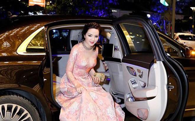 """Từng là giai nhân của chủ tịch Tân Hoàng Minh, """"Hoa hậu không tuổi"""" Giáng My giàu cỡ nào?"""