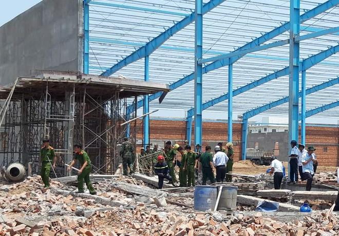 Danh tính 5 người chết, 3 người bị thương trong vụ sập công trình ở Vĩnh Long  - Ảnh 1.