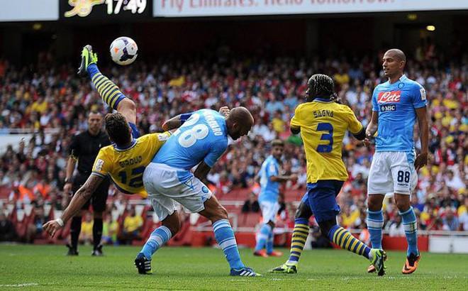 Arsenal gặp địch thủ khó, Chelsea dễ thở ở sân chơi châu lục