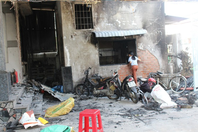 Cận cảnh hiện trường vụ hỏa hoạn khiến 3 người chết cháy ở Bà Rịa - Vũng Tàu - Ảnh 8.