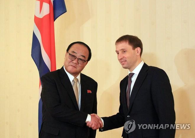 Nga vội chớp thời cơ Mỹ-Triều bế tắc, TT Putin rộng vòng tay đón lãnh đạo Kim Jong Un? - Ảnh 1.
