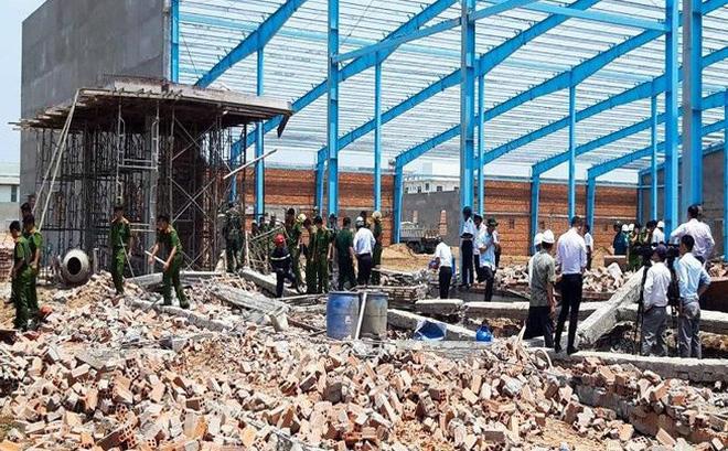 NÓNG: Sập tường trong khu công nghiệp, 5 công nhân tử vong tại chỗ