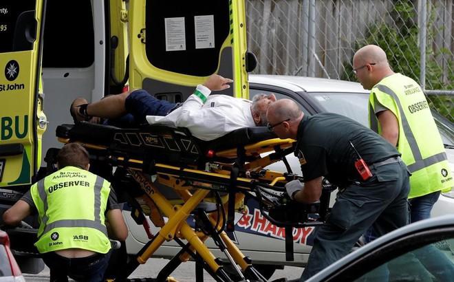Vụ tấn công kinh hoàng ở New Zealand: Tay súng vừa hét vừa xả đạn khắp mọi hướng