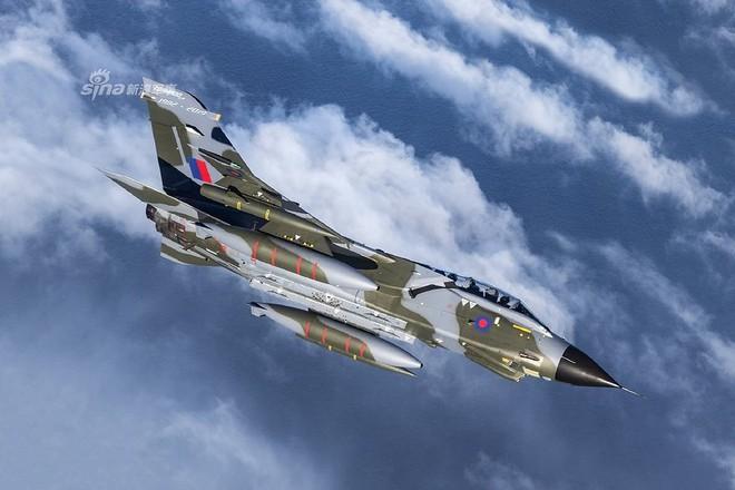 [ẢNH] Màn chia tay bầu trời siêu hoành tráng của các chiến đấu cơ Tornado - ảnh 12