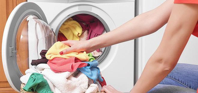 Áp dụng 6 mẹo sau, dù trời nồm ẩm đến đâu thì quần áo vẫn nhanh khô và thơm tho như thường - Ảnh 1.