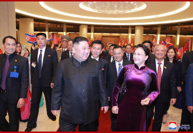 Tiệc chiêu đãi Chủ tịch Kim Jong-un tại Hà Nội qua ống kính phóng viên Triều Tiên - Ảnh 7.